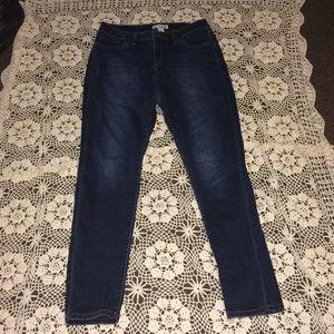 Artisan NY Jeans Size 8 !